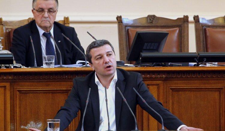 Драгомир Стойнев: Правителството на Борисов няма да защитава обещанията си пред българските граждани