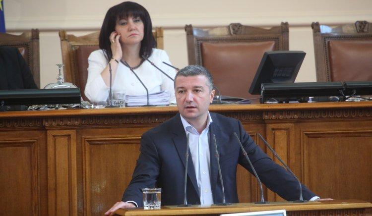 Драгомир Стойнев: Няма натиск върху КЕВР, а искаме да се спазва законът