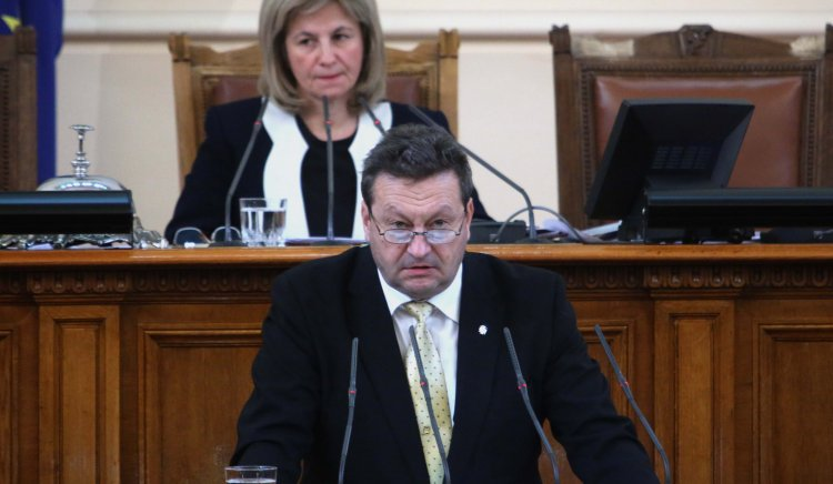 Таско Ерменков: Недомислици при разпределението и отчитането на топлинната енергията водят до недоверието на потребителите