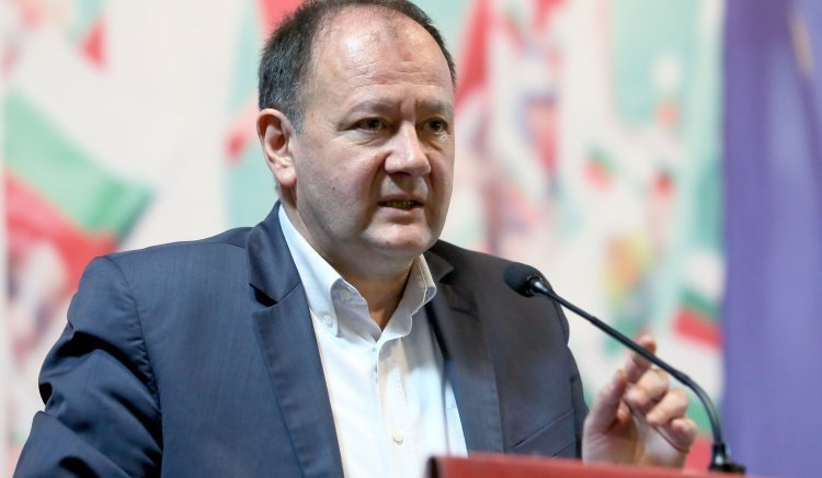 Михаил Миков: Вотът на недоверие  е политически. Здравето е ценност, не стока