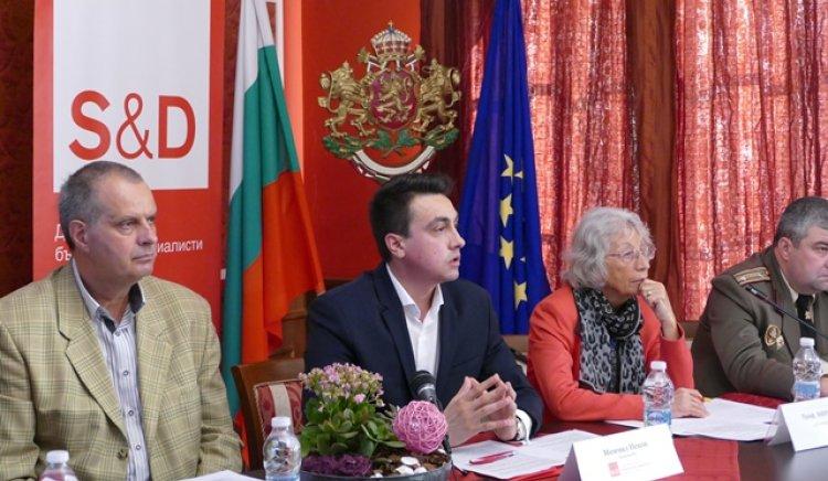 Момчил Неков: Изграждането на гъвкави модели между бизнеса и образованието трябва да бъдат приоритетни