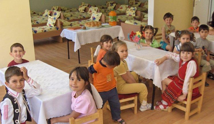 Седемдесет и четири деца-сираци ще получат персонални пенсии