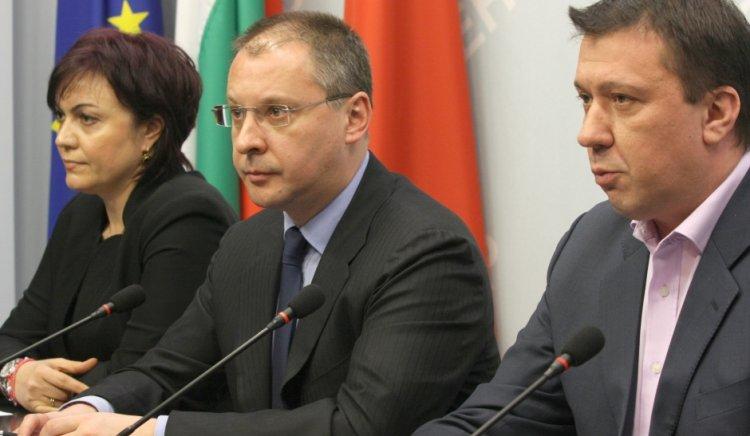 Оставането на Симеон Дянков като финансов министър нанася загуби на българската икономика