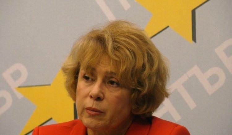 Според Емилия Масларова, изнесените срещу нея сигнали от Комисията за борба с корупцията са анонимни