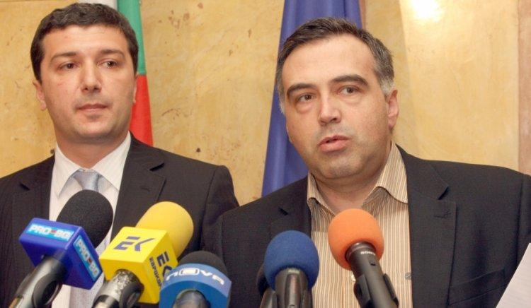 Махането на Симеон Дянков ще е единствената и най-добра антикризисна мярка на правителството