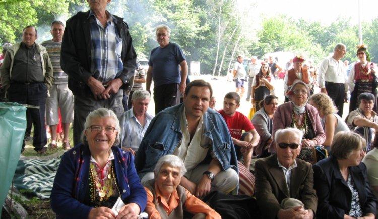Стотици посетители на събора на Бабан разчитат на кандидатите на левицата