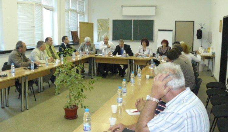 Среща на Румен Петков с регионалната камара на строителите в Плевен