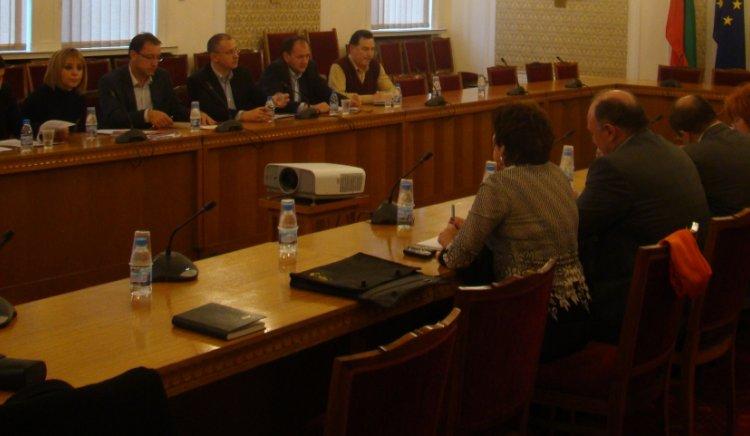 С Бюджет 2011 правителството демонтира социалната защита
