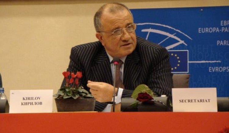 Евгени Кирилов: Либия e блестяща комбинация от демагогия и диктатура