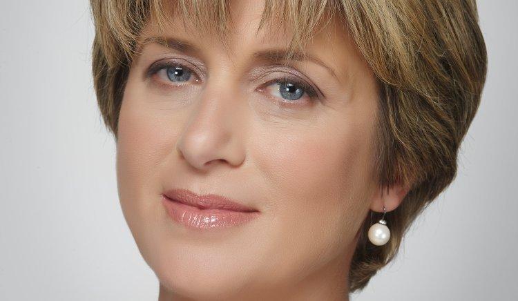 Весела Лечева: Слагаме знак за равенство между корупция и бедност