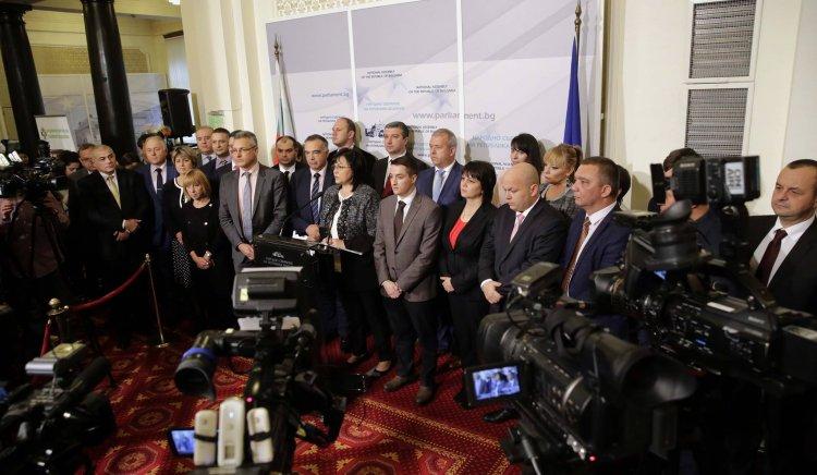 Корнелия Нинова: Напускаме до оставката на Главчев