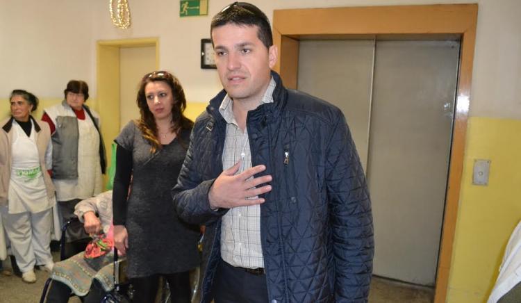 Младежите от БСП-Асеновград стоплиха сърцата на малки и големи асеновградчани