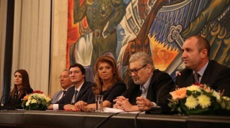 Инициативен комитет застана зад ген. Радев и Илияна Йотова