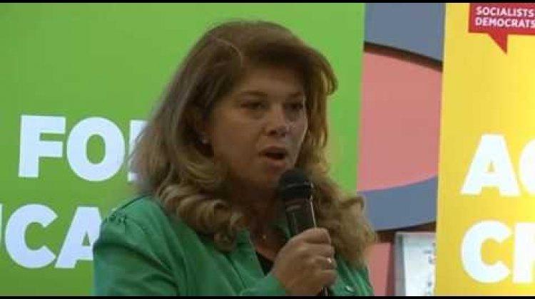 Илияна Йотова: Необходима е друга политика за младите хора - да са образовани и със самочувствие
