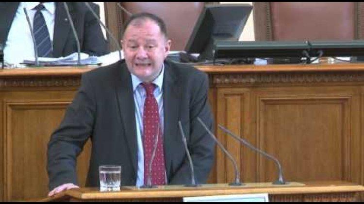 Михаил Миков: МС да отложи влизането в сила на закона за предучилищното и училищното образование